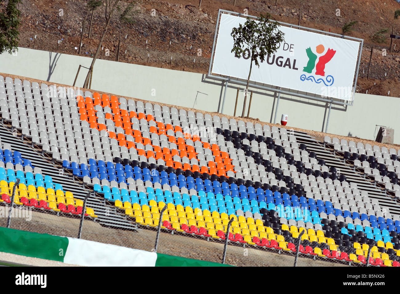 Circuito Algarve : Portimao algarve autodromo circuito tribune stand foto imagen de