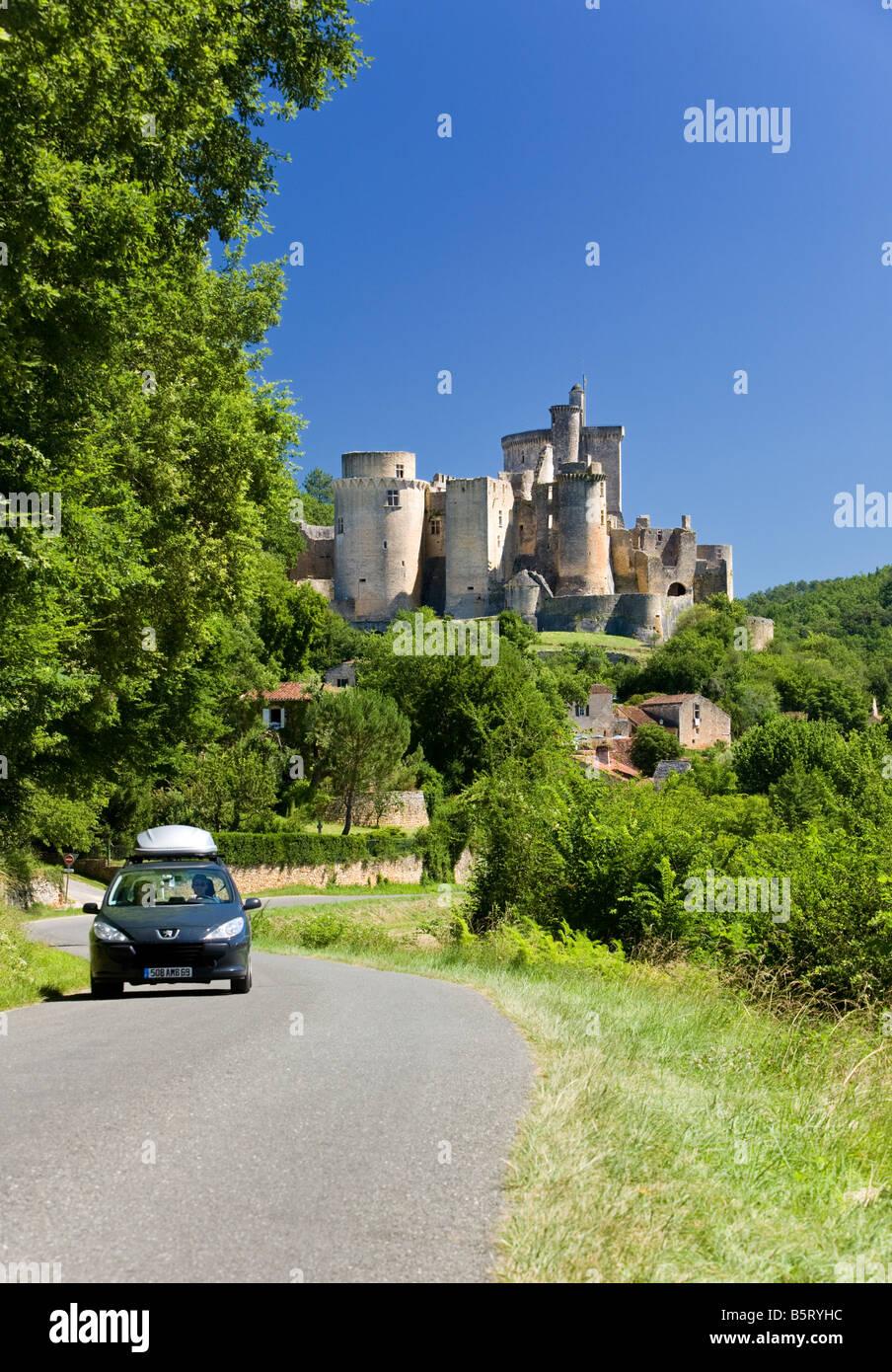 Francia, la conducción de vacaciones, viaje por carretera - al Château de Bonaguil en Lot et Garonne, Imagen De Stock