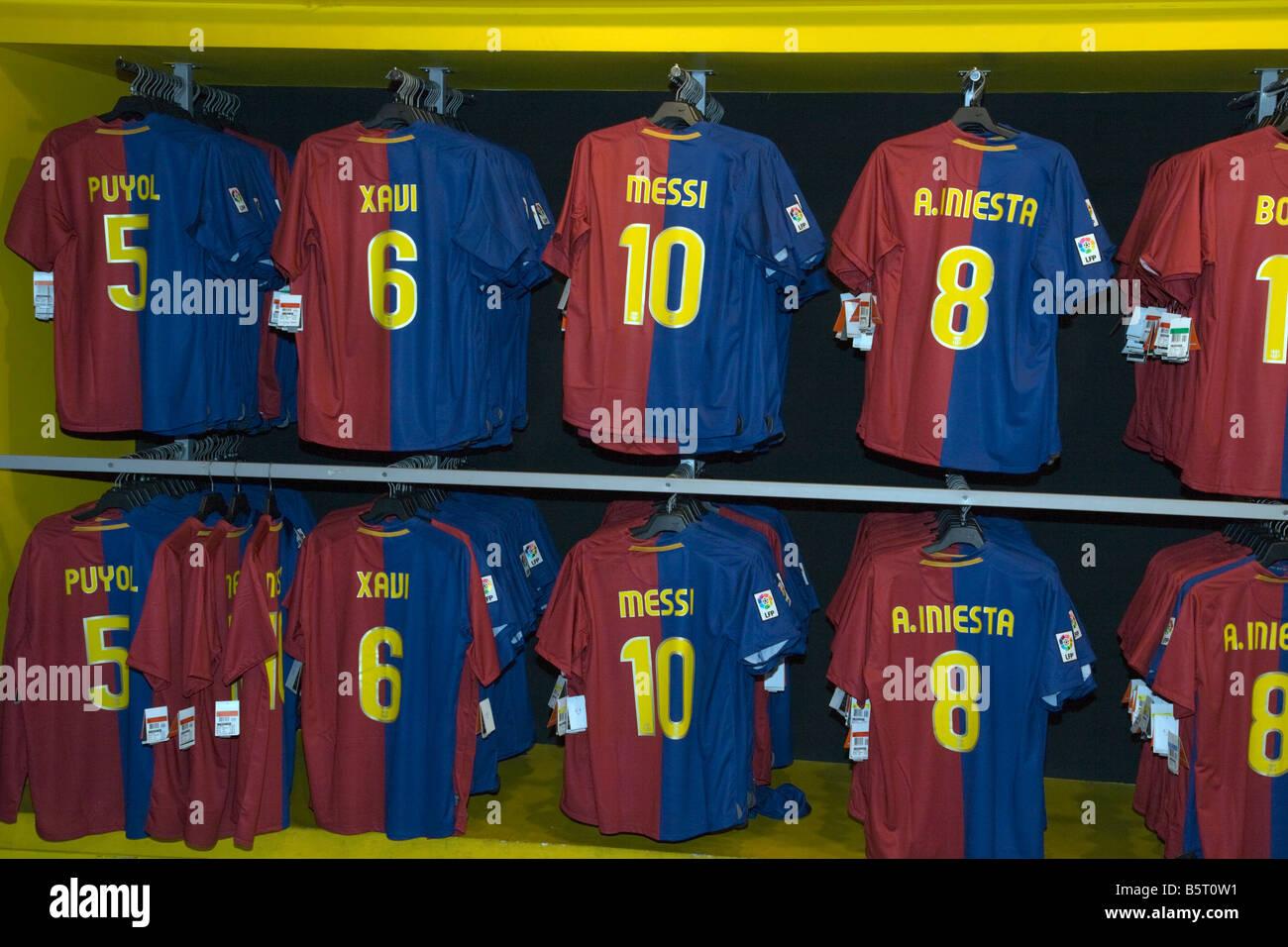 Botiga del Barça el FC Barcelona club tienda de venta de todas las últimas  camisetas de fútbol de los mejores jugadores e9938726d5e
