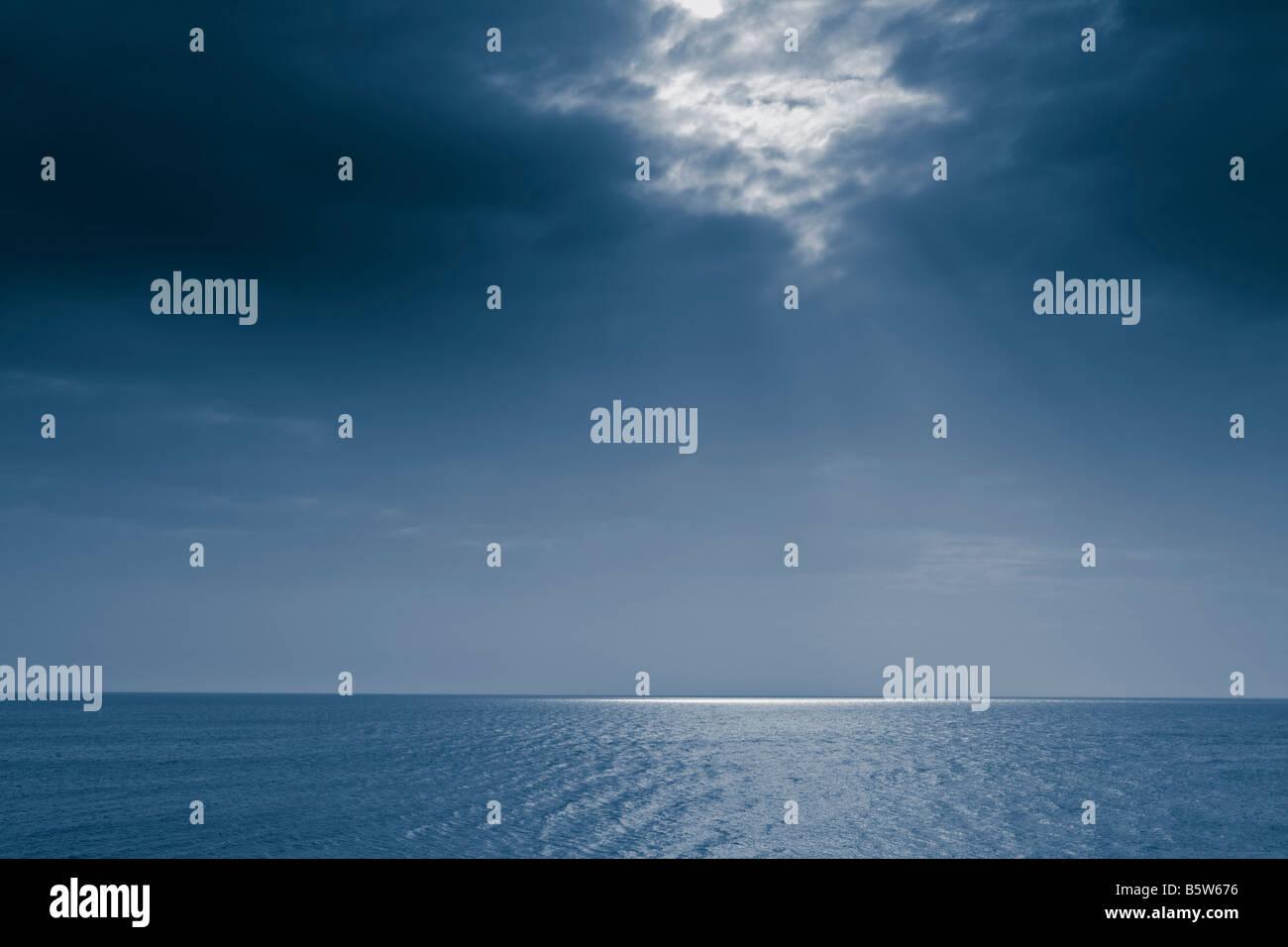 El cielo y el paisaje del mar Foto de stock