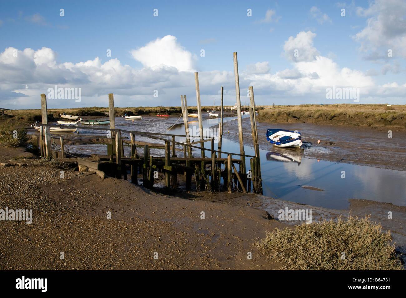 Morston quay en marea baja, al norte de Norfolk. Foto de stock
