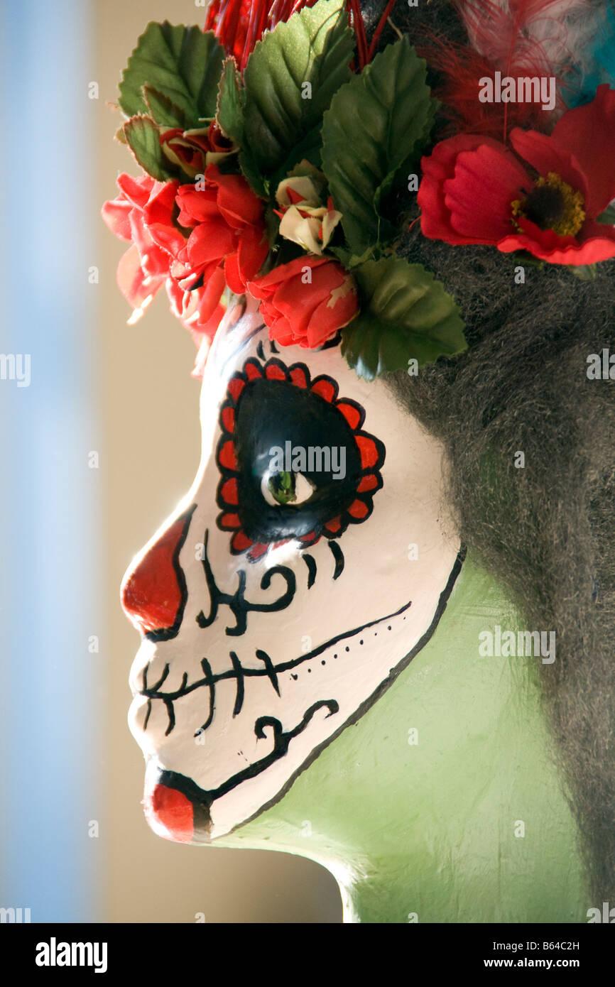 San Antonio es decir Si Art Studio, programa de artes juveniles, estudiantiles máscara hecha para el Día Imagen De Stock