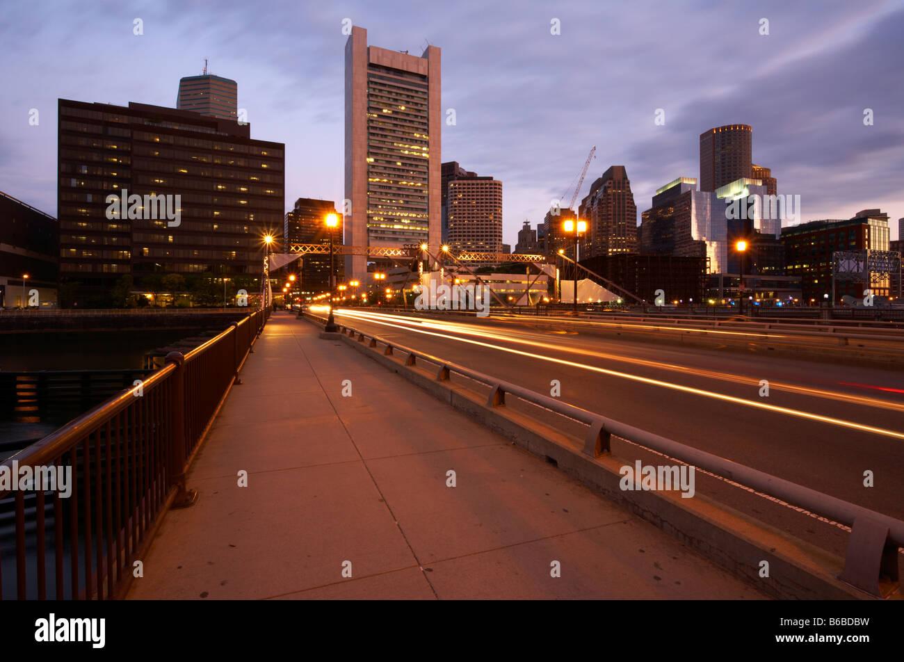 Temprano en la mañana vista del distrito financiero de Boston. Foto de stock