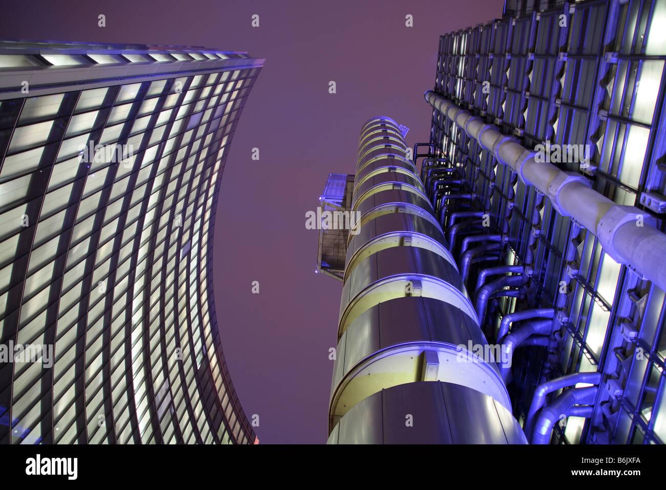 Reino Unido, Inglaterra, Londres. El edificio Lloyd's en el centro de la ciudad de Londres. Imagen De Stock