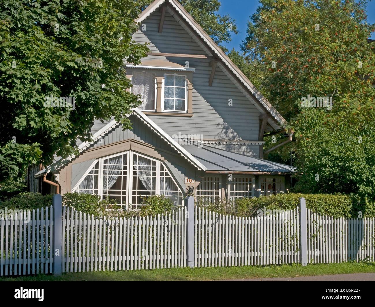 Casa bonitas con jardin casa cp jardines de estilo for Casas en jardines