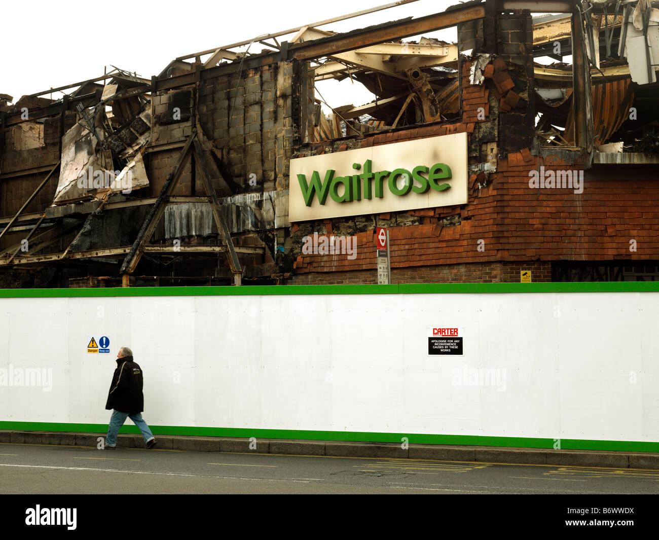 Después del incendio del supermercado Foto de stock