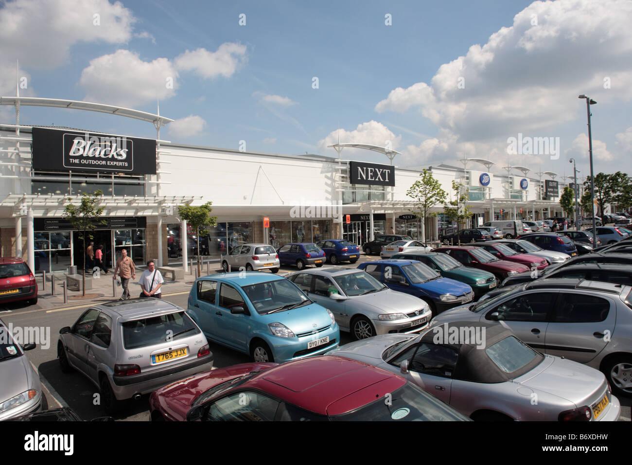 Los negros y los siguiente almacena, Telford forjar Retail Park, Telford Imagen De Stock