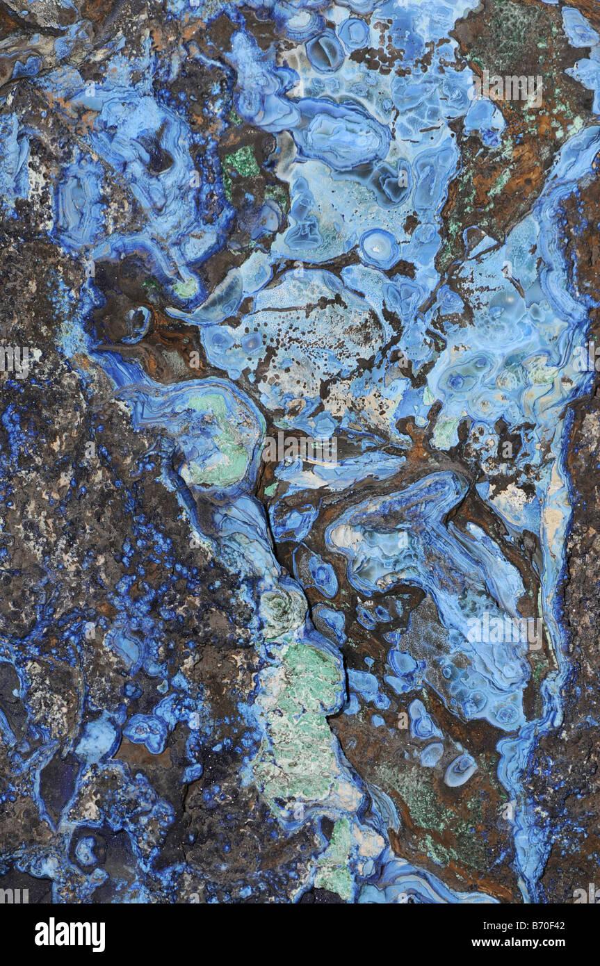 La Azurita y la malaquita verde azul de Bisbee Arizona son minerales que contienen cobre Foto de stock