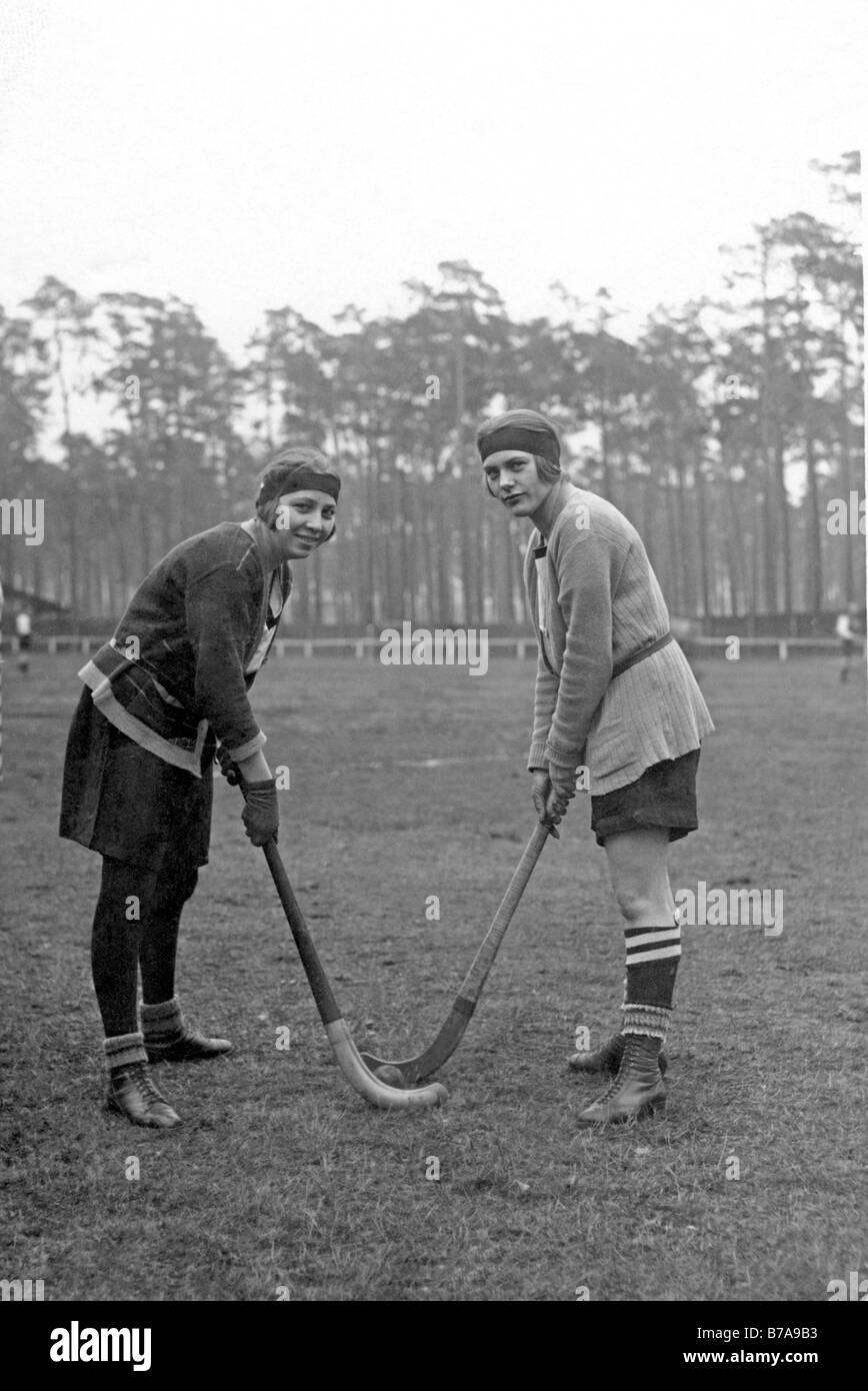 Foto histórica, las mujeres del hockey, ca. 1920 Imagen De Stock