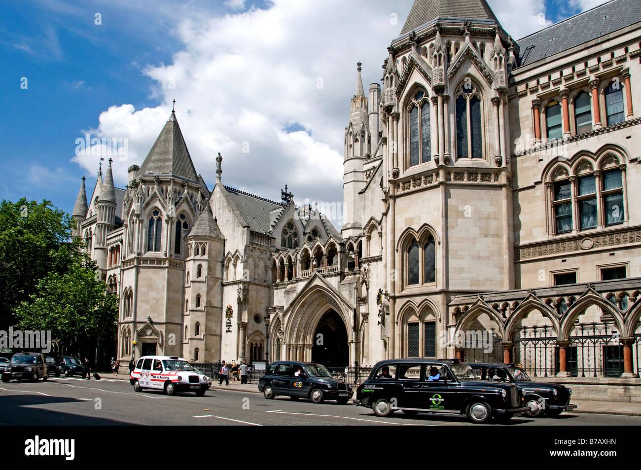 Londres las Cortes Reales de justicia los tribunales Strand Fleet Street Holborn gótica victoriana Foto de stock