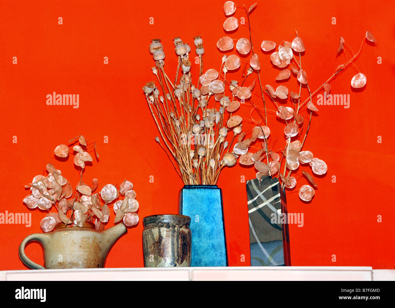 Los Bodegones De Objetos De Ceramica Y Jarrones De Flores Secas - Jarrones-con-flores-secas