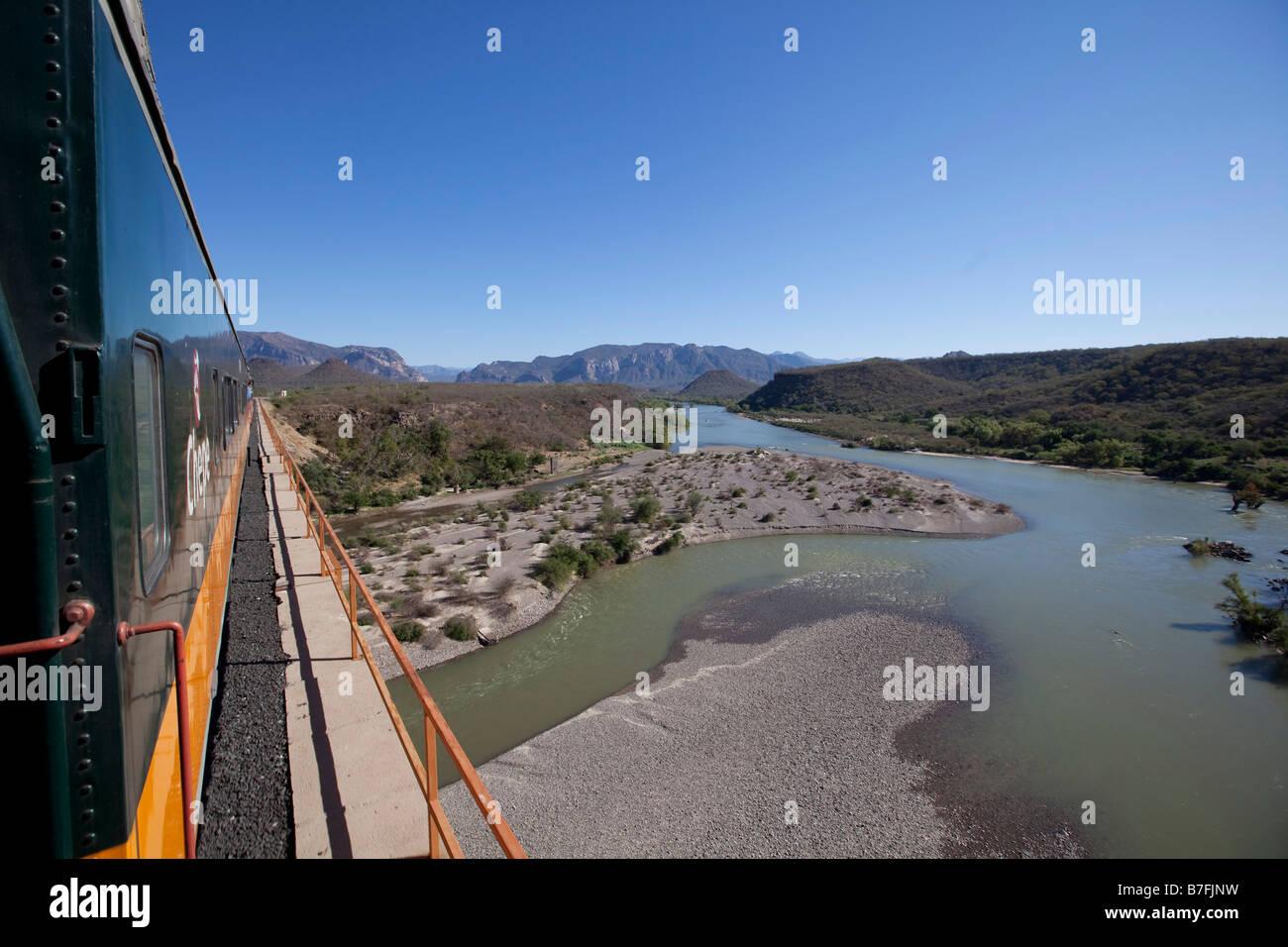 Viaje en tren de Barranca del Cobre, Chihuahua, México Imagen De Stock