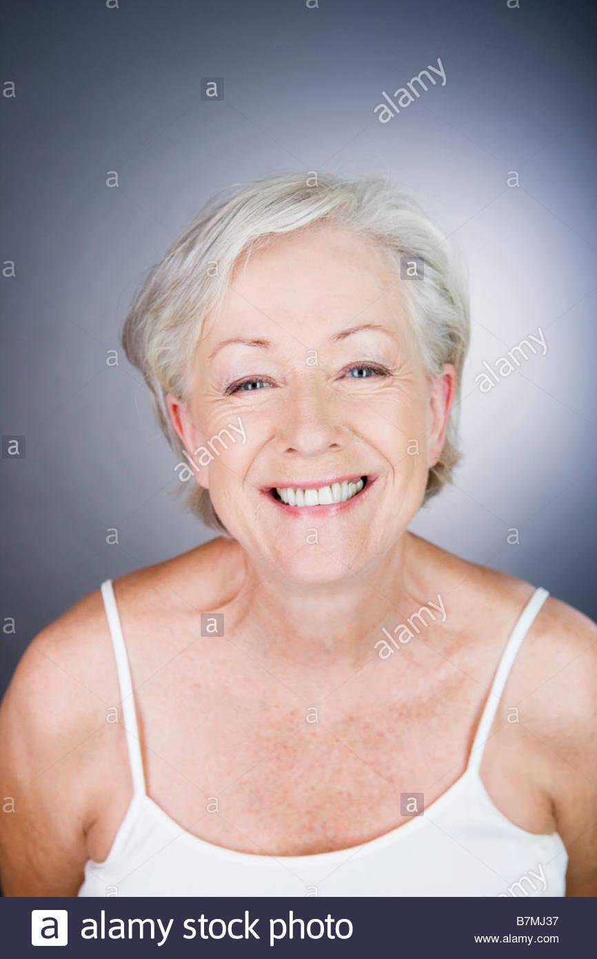 Una mujer sonriente senior Imagen De Stock