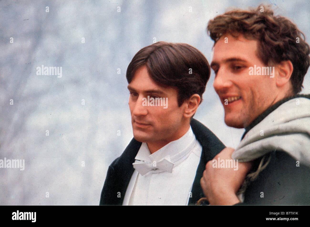 ¿Cuánto mide Gerard Depardieu? - Altura - Real height Novecento-ano-1976-italia-robert-de-niro-gerard-depardieu-director-bernardo-bertolucci-b7tx1k
