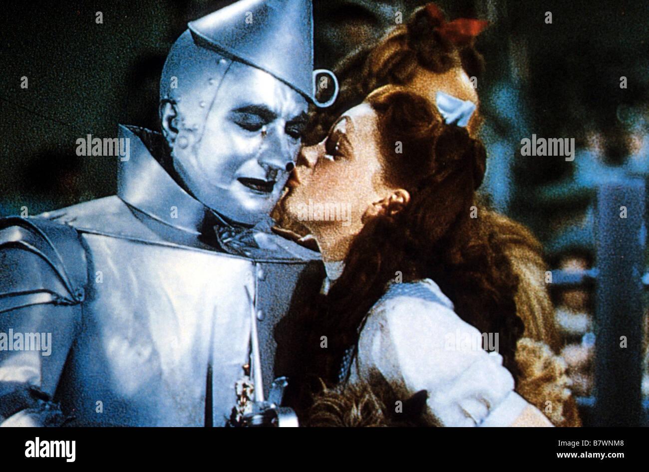 El Mago de Oz Año: 1939 EE.UU. Jack Haley, Judy Garland Director: Victor Fleming Imagen De Stock
