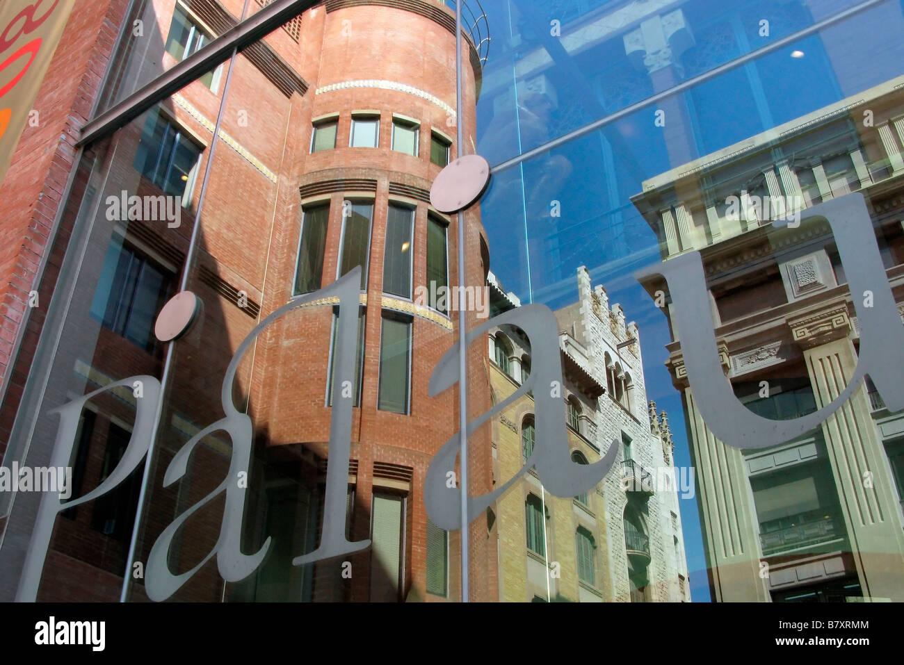 Fachada del Palacio de la música el PALAU DE LA MÚSICA CATALANA EN BARCELONA BARRIO DE LA RIBERA Imagen De Stock