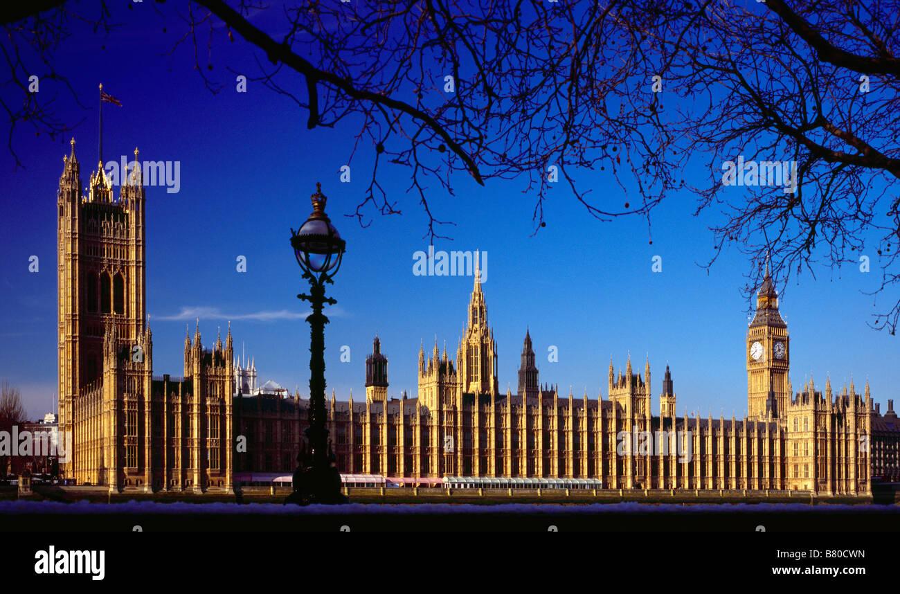 Las Casas del Parlamento, en Westminster, Londres, Inglaterra, Reino Unido. Foto de stock