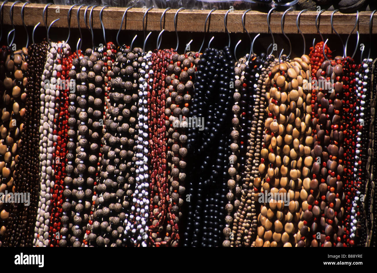 40abe4ac9226 Necklaces Made With Seeds Imágenes De Stock   Necklaces Made With ...