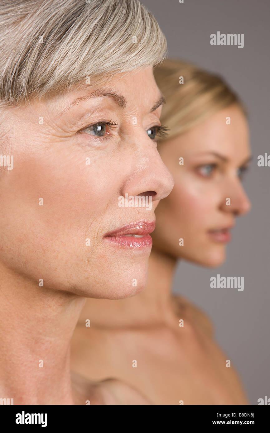Apartar la mirada de las mujeres Imagen De Stock