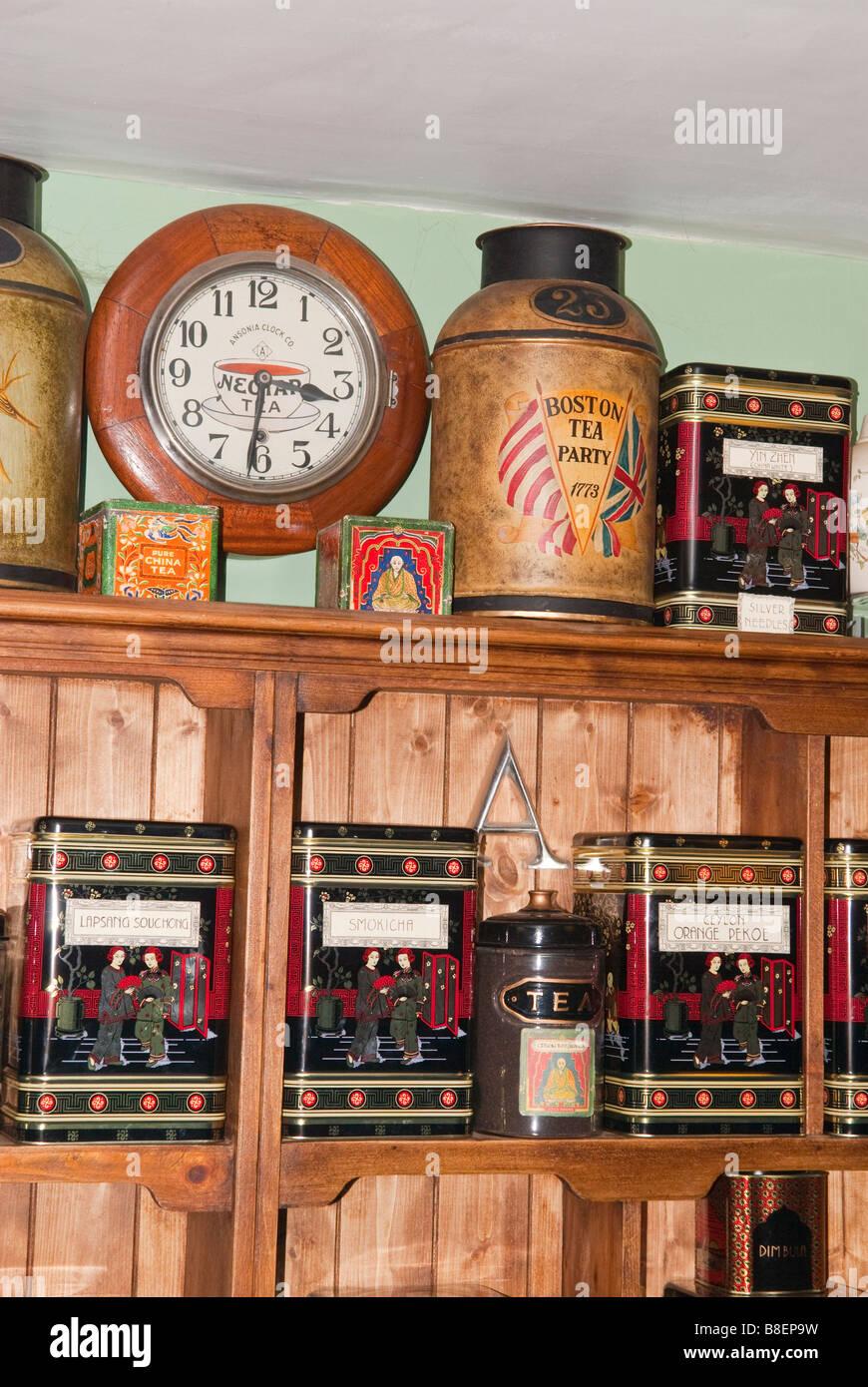 Varios tés a la venta en una tienda de té tienda especializada en  Lavenham a82dcdd870c1