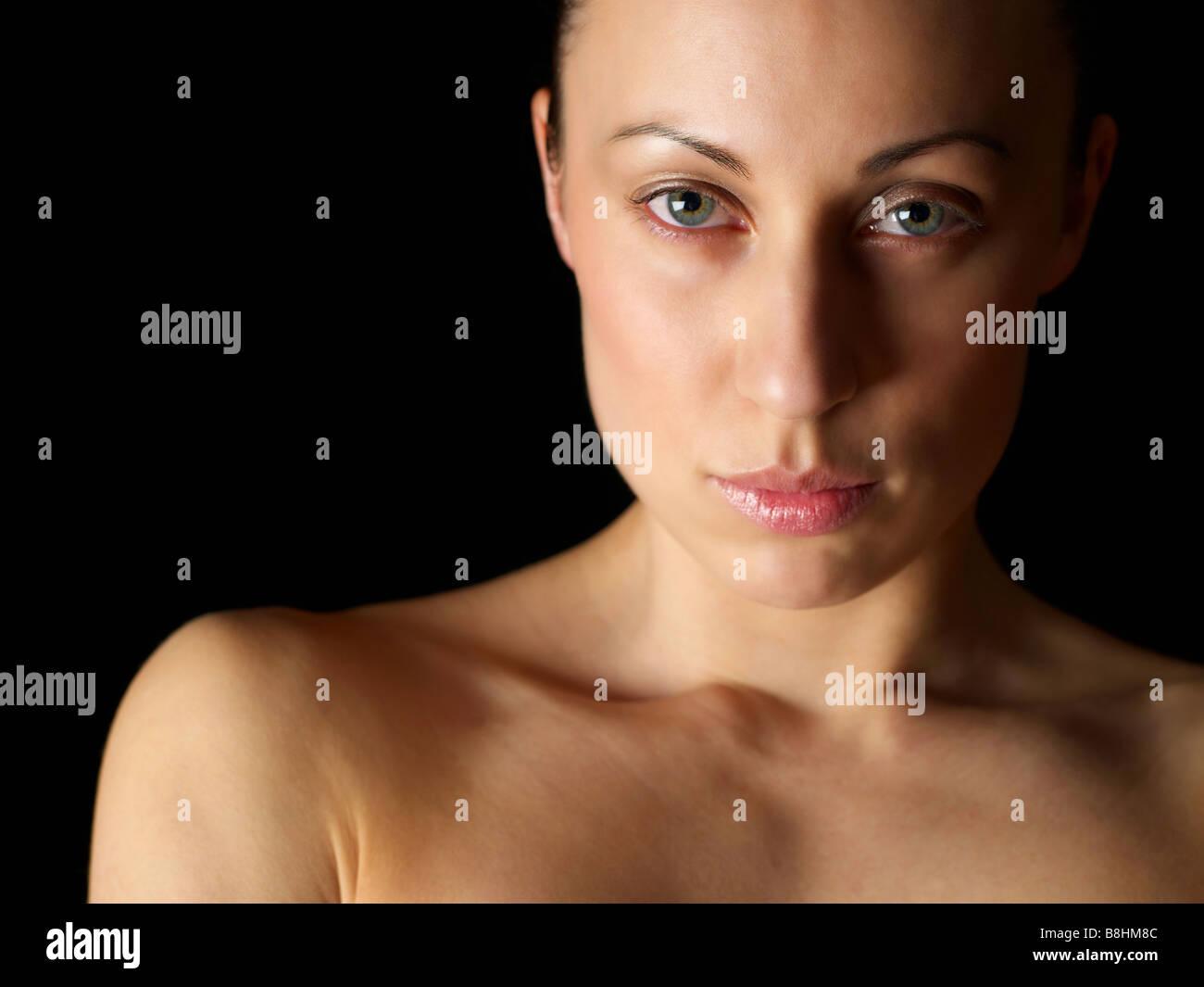 Disparo a la cabeza de un niño de ocho años veinte modelo femenino Imagen De Stock