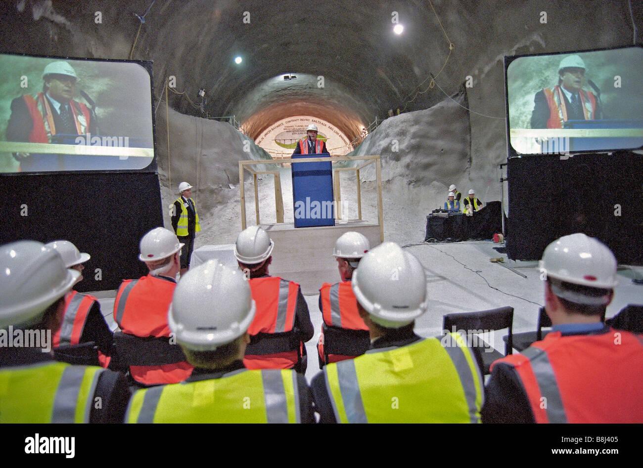 El Viceprimer Ministro John Prescott dando discurso ante el avance de las Llanuras del Norte Túnel sobre el enlace ferroviario del Túnel del Canal. Foto de stock