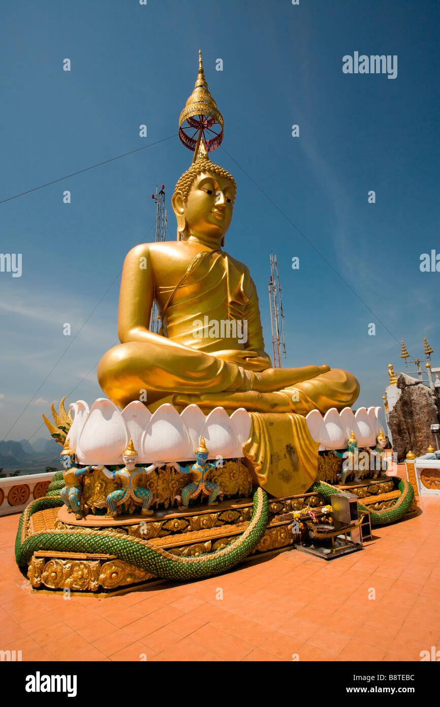 Cueva del Tigre: Templo del Buda de Oro Imagen De Stock