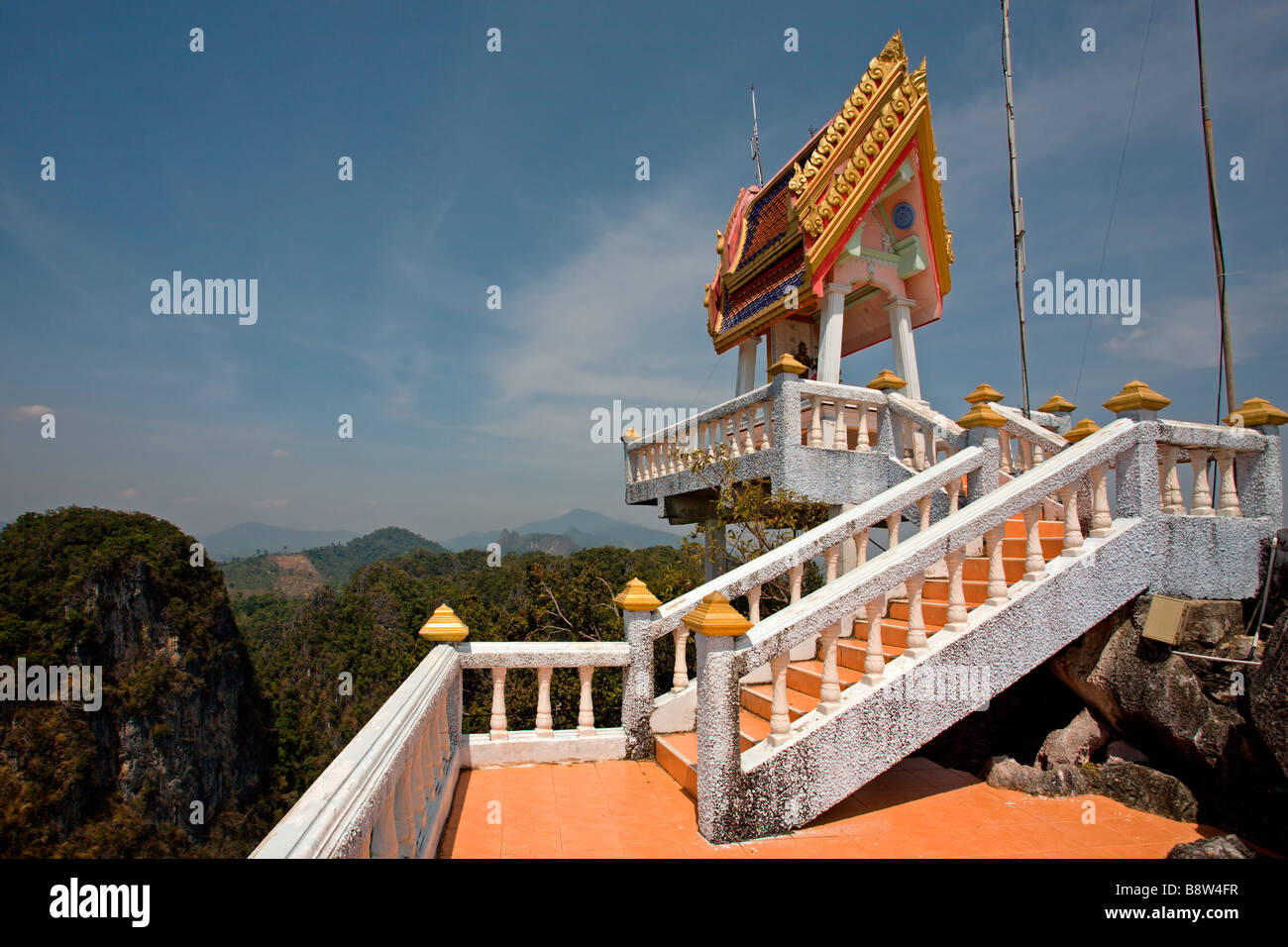 El Templo Cueva del Tigre: Vista cuesta arriba Imagen De Stock