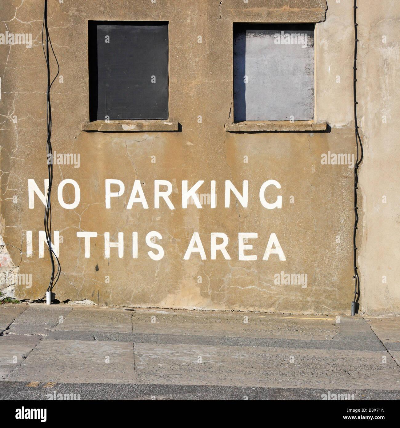 Sign Parking Car Wales Imágenes De Stock   Sign Parking Car Wales ... ecb0e5d54ea75