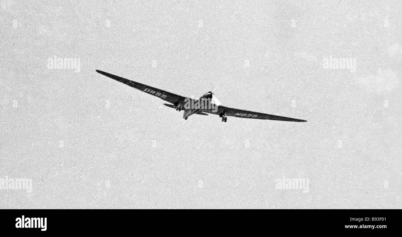 Aviones tripulados por Chkalov y sus camaradas en el aire. Imagen De Stock
