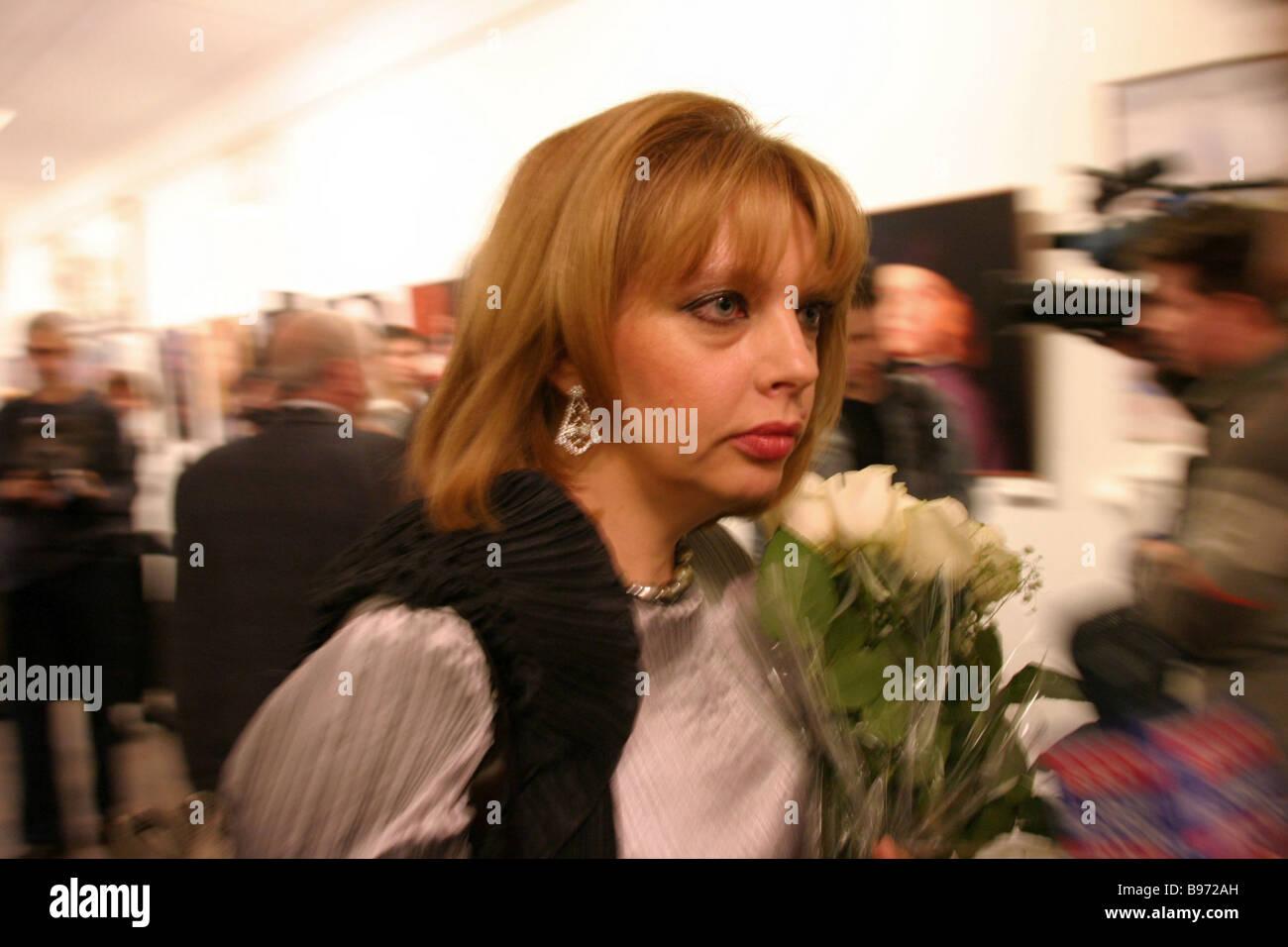 Ekaterina Rozhdestvenskaya en la inauguración de la exposición de la colección privada Foto de stock