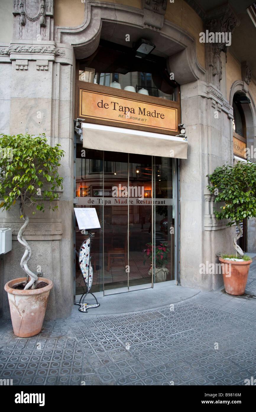 De Tapa Madre Restaurante, Barcelona, España Imagen De Stock