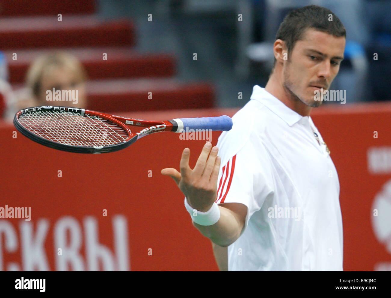 El tenista ruso Marat Safin durante el partido de la final del 17º torneo internacional de tenis Kremlin cup Foto de stock