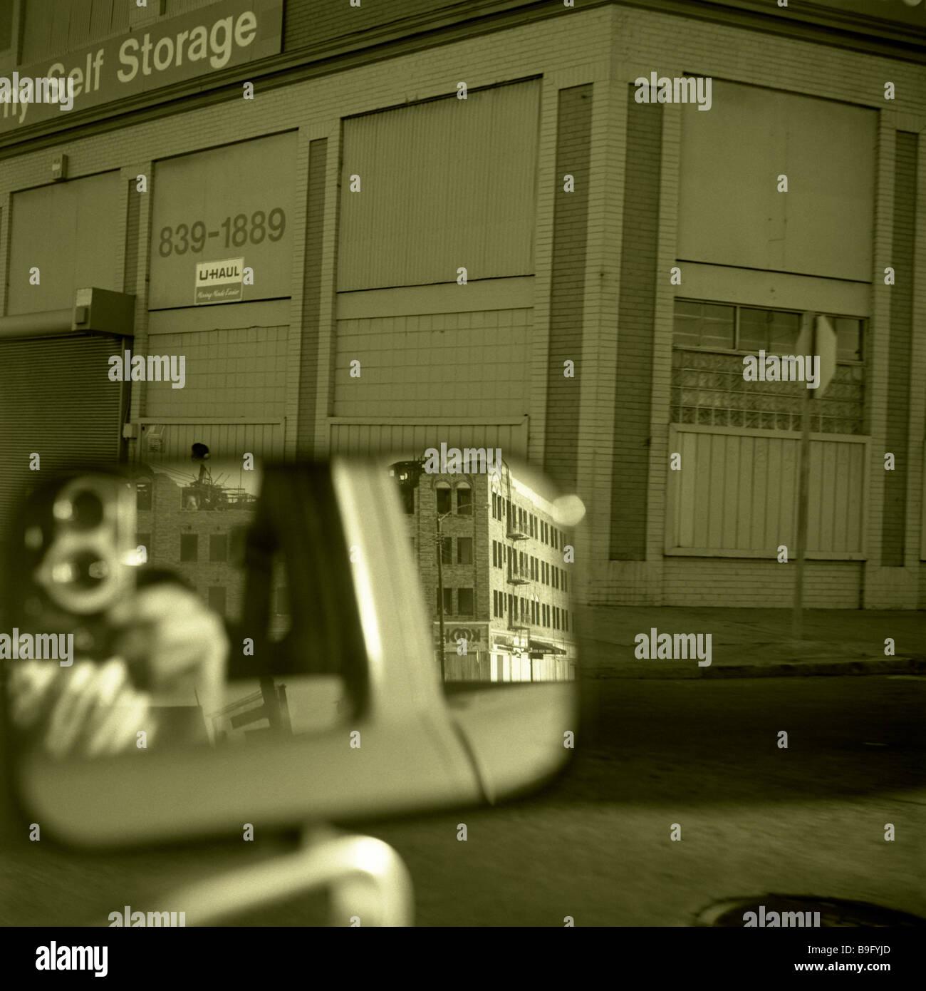 Resumen de Oakland California usa espejos retrovisores s/w Resumen América arquitectura coche americano focus Imagen De Stock
