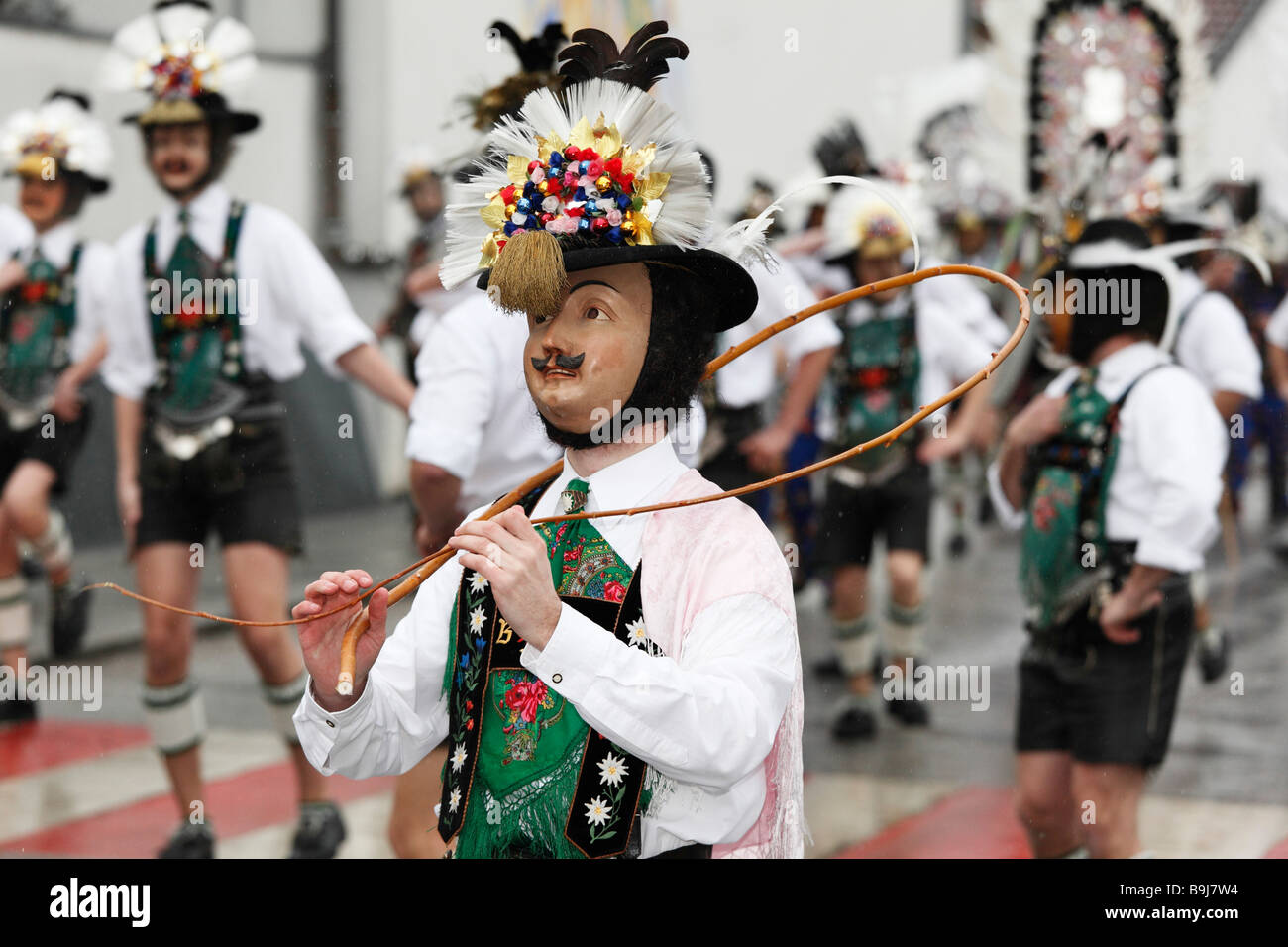 Desfile en Mullerlaufen Thaur, tradición carnavalesca, Tirol, Austria Imagen De Stock