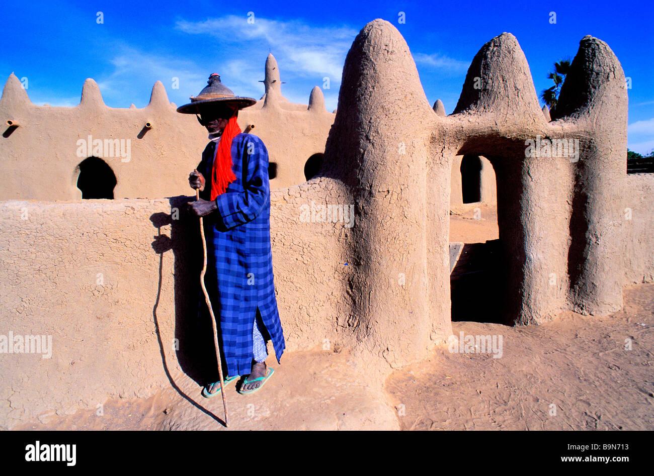 Malí, cerca de la región de Mopti, Djenne, Senossa aldea fula, hombre Foto de stock