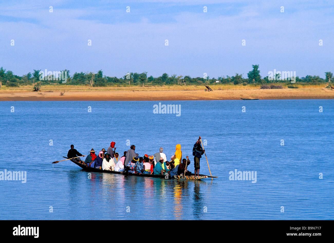 Malí, región de Mopti, Mopti, río Níger (embarcación tradicional) Foto de stock
