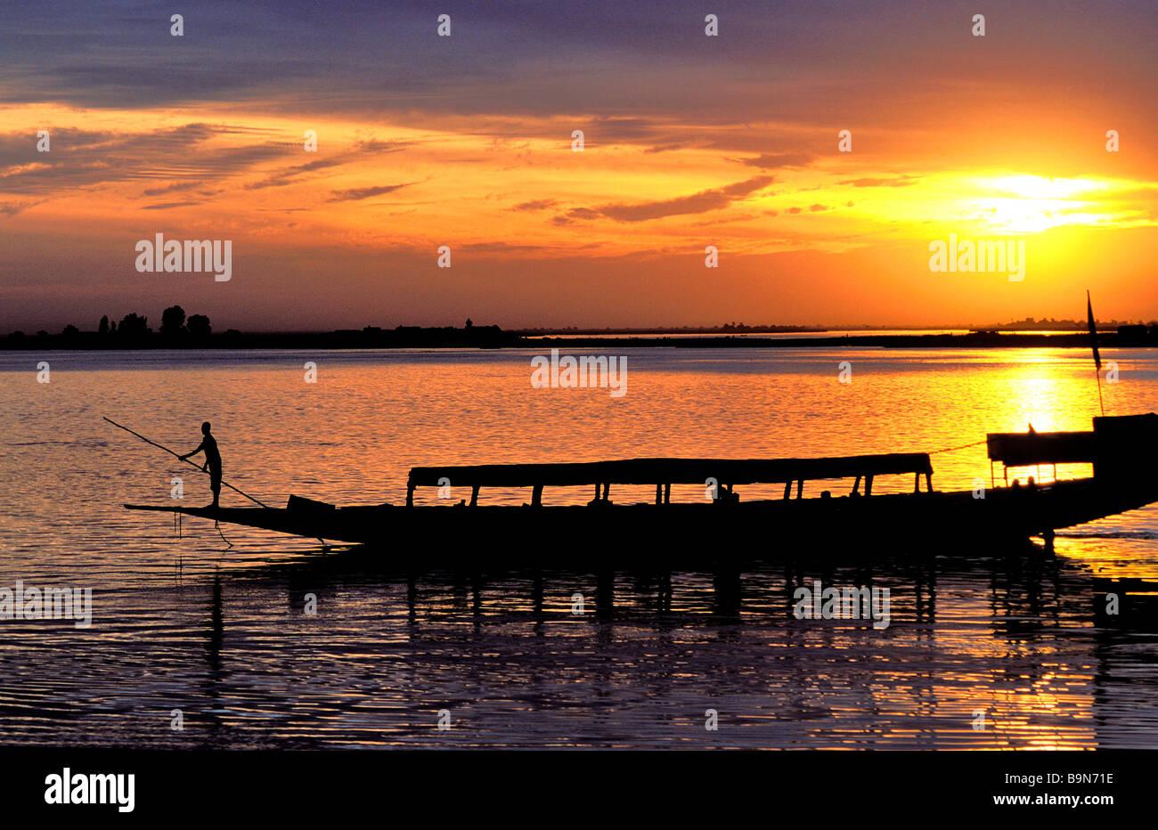 Malí, región de Mopti, Mopti, Río Níger Foto de stock