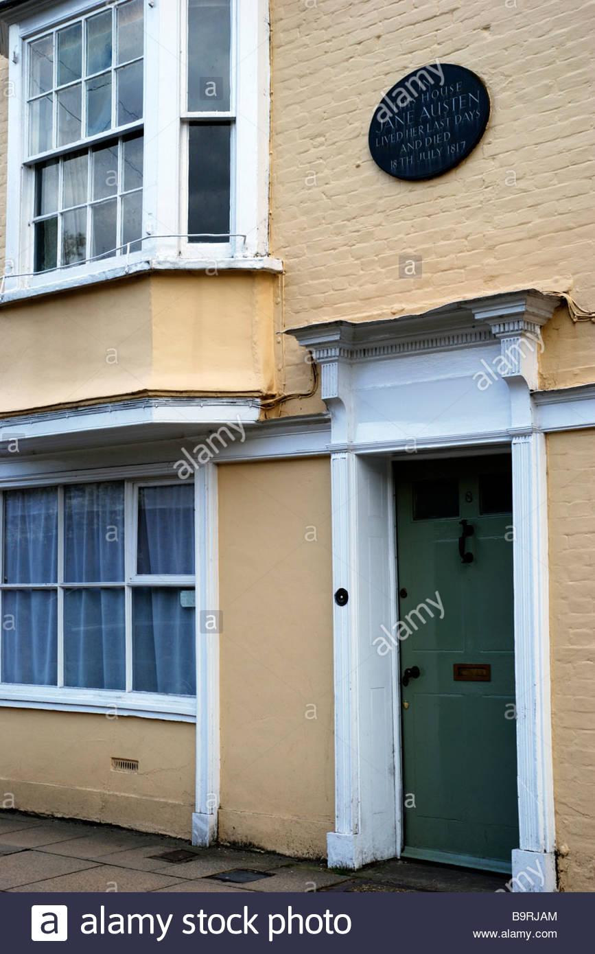 Vista de la parte delantera de la placa y el 8 de College Street, la casa en la que murió de Jane Austen. Winchester, Imagen De Stock