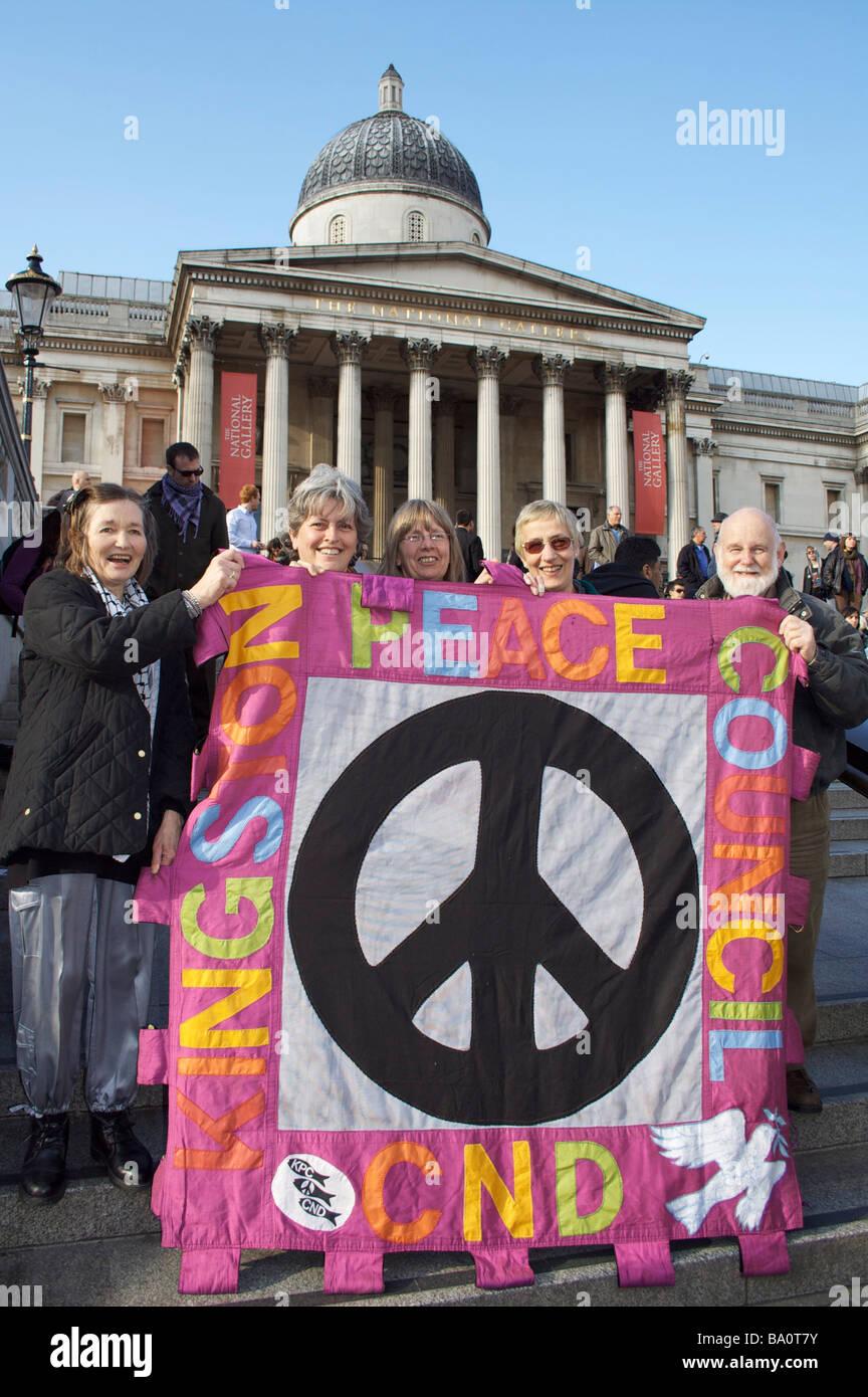 Sus partidarios en rally en Trafalgar Square. Imagen De Stock