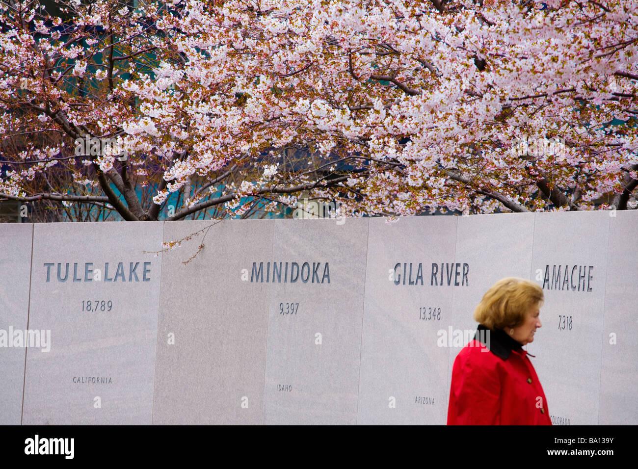 USA las disculpas oficiales para WW2 campos de internamiento en Japanese American Memorial a patriotismo Washington Imagen De Stock