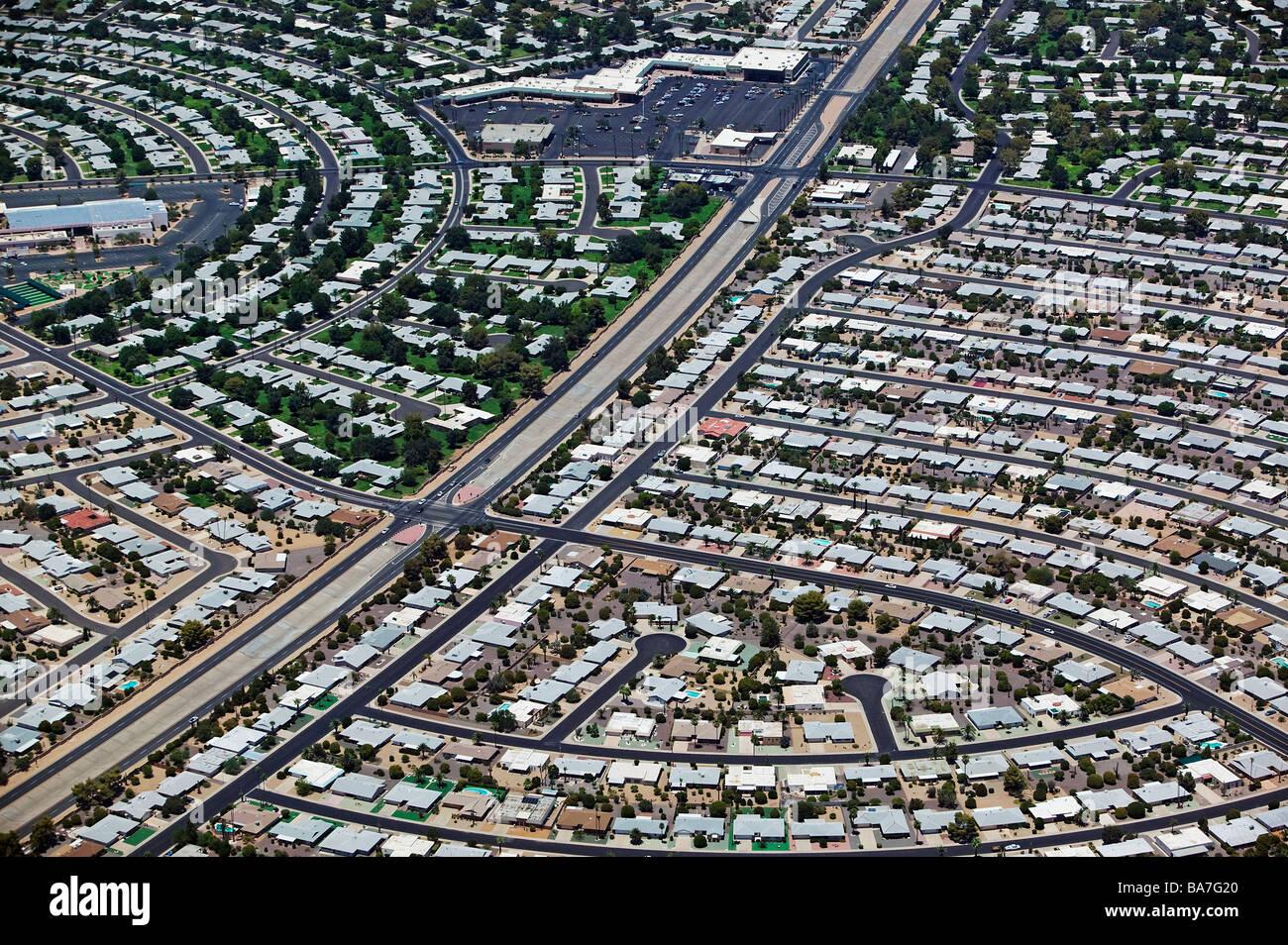 Vista aérea sobre propiedad inmobiliaria desarrollo Phoenix Arizona Imagen De Stock