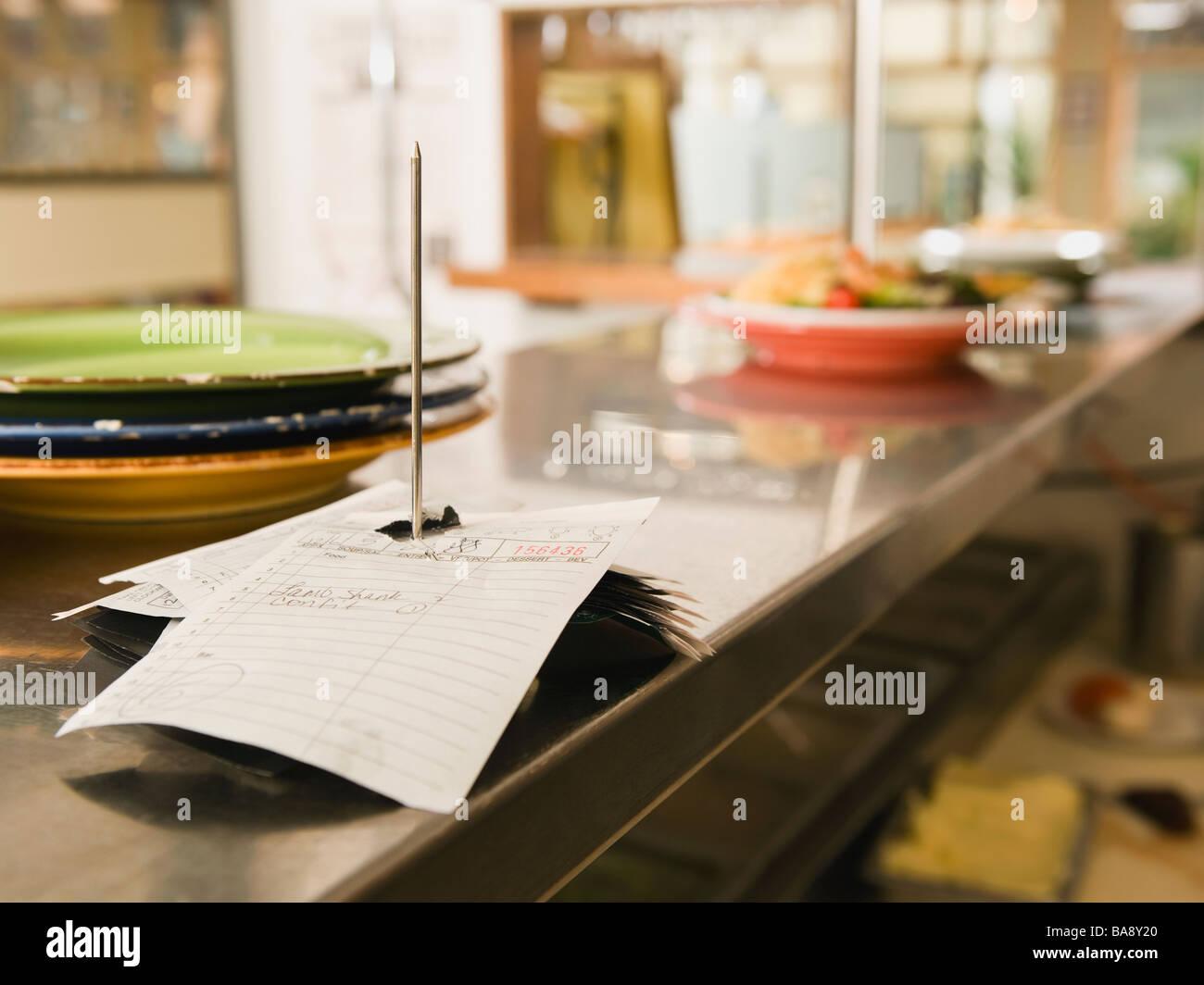 Pedido de alimentos spike en el restaurante Kitchen Foto de stock