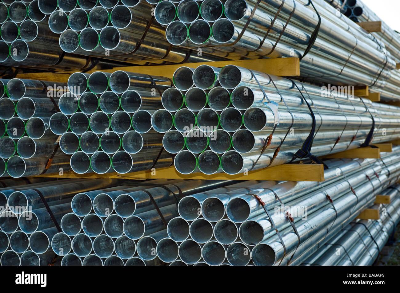 Fontanería tuberías de hierro tubo tubo de acero tubos de conductos en molino longitudes vender almacenamiento Imagen De Stock