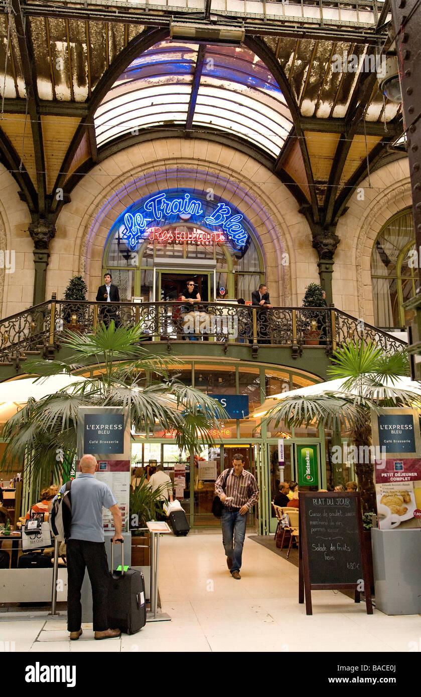 francia paris gare de lyon le train bleu restaurant foto imagen de stock 23631346 alamy. Black Bedroom Furniture Sets. Home Design Ideas