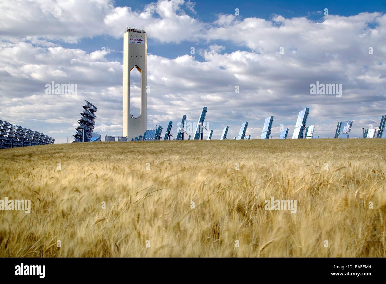 La primera torre solar termoeléctrica, España Imagen De Stock