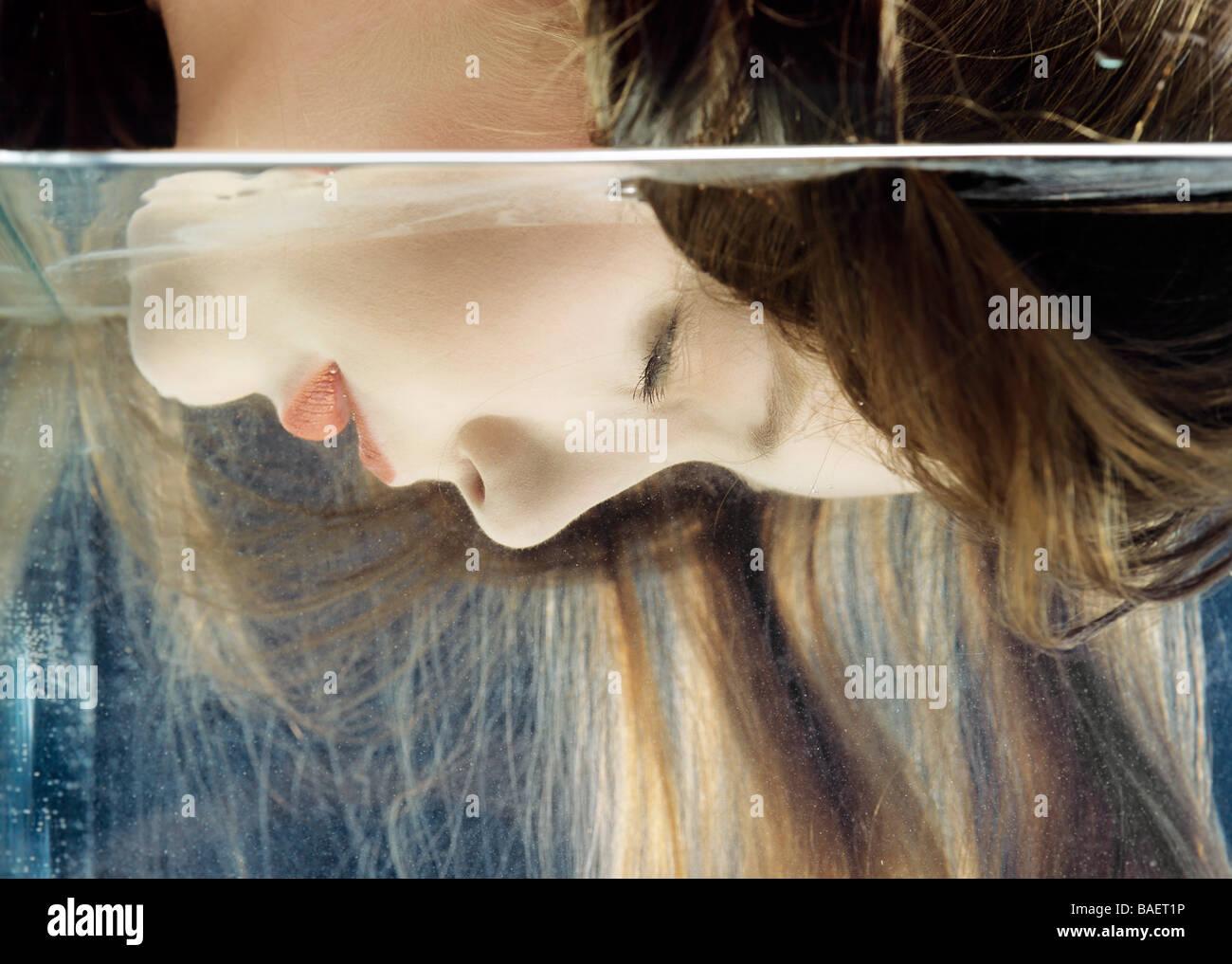 Indoor studio, gente joven, mujer, niña, 20-25, de largo, pelo, cerrar, arriba, vertical, horizontal, rubia, Imagen De Stock