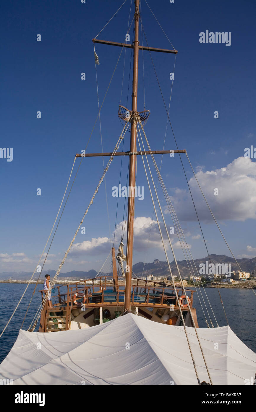 Neptun viaje en barco pirata, por Kaleidoskop Turizm, y el puerto de Kyrenia, Chipre Girne, Imagen De Stock