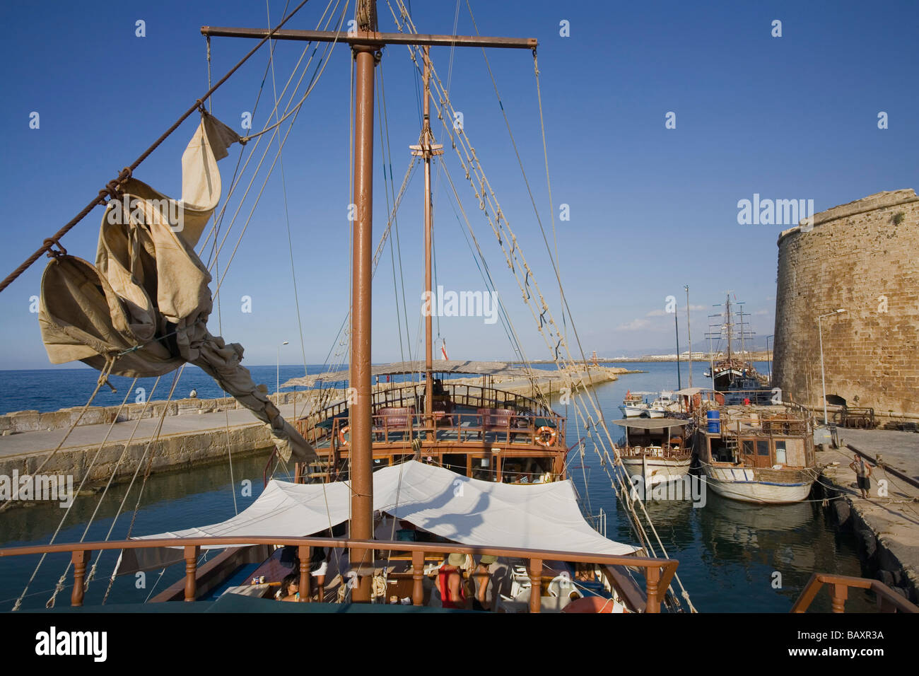Neptun viaje en barco pirata, por Kaleidoskop Turizm, Puerto, Kyrenia, Chipre Girne, Imagen De Stock