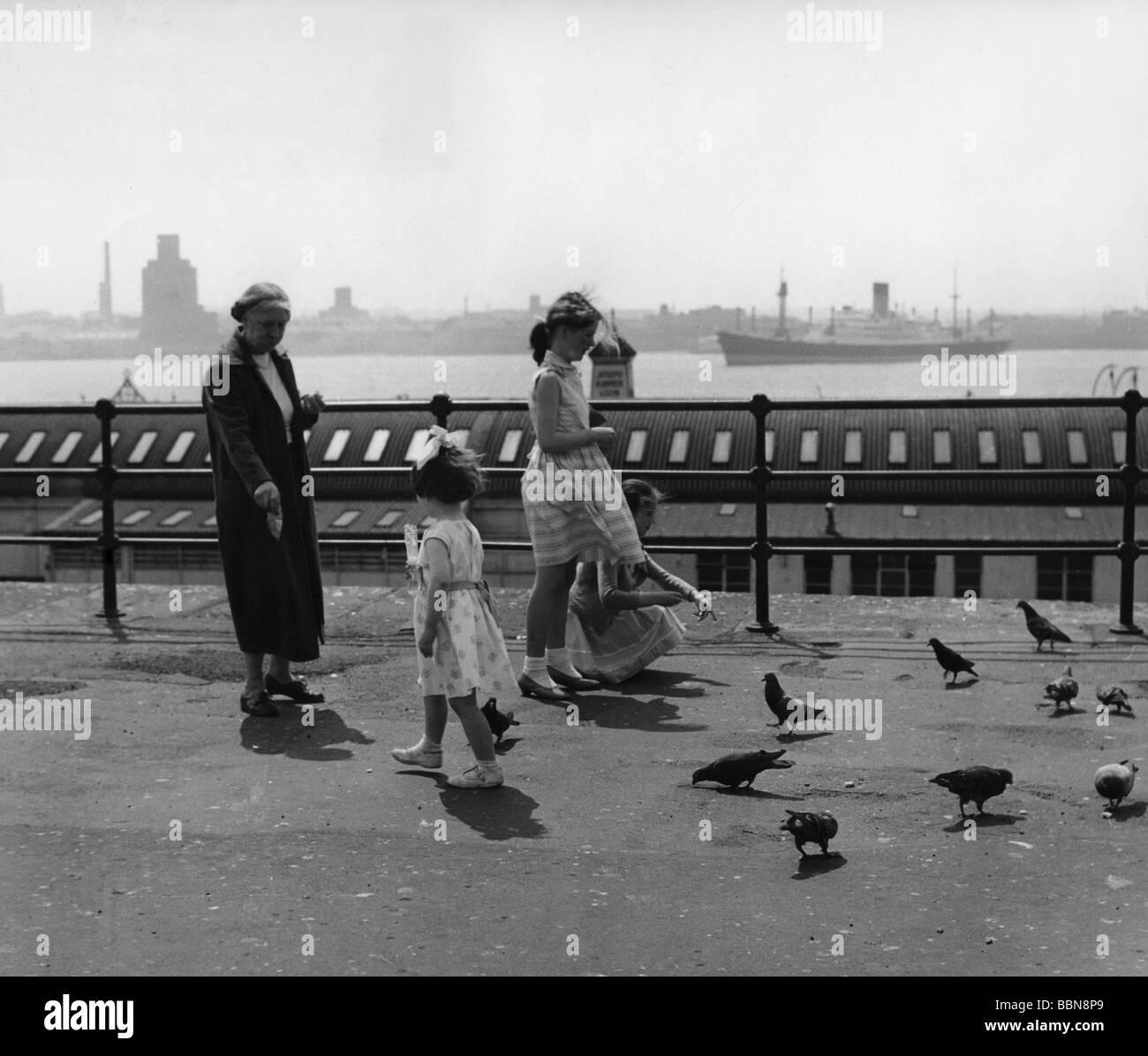 Geografía / viajes, Gran Bretaña, gente, niños en Mersey River, Liverpool, 1960, Foto de stock